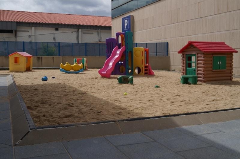 Patio exterior Escuela Infantil Muchospeques en Boadilla del Monte